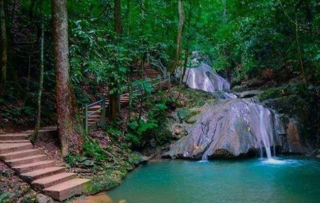 Kuta Malaka Waterfall wisata alam aceh