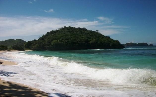 Pantai Bangsong malang
