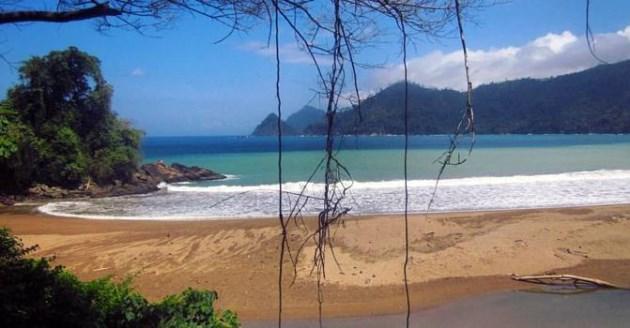 Pantai Pancer malang