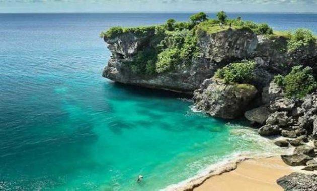 Pantai Uluwatu wisata pantai di bali