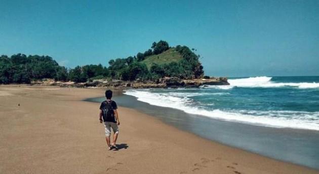 Pantai Wonogoro malang