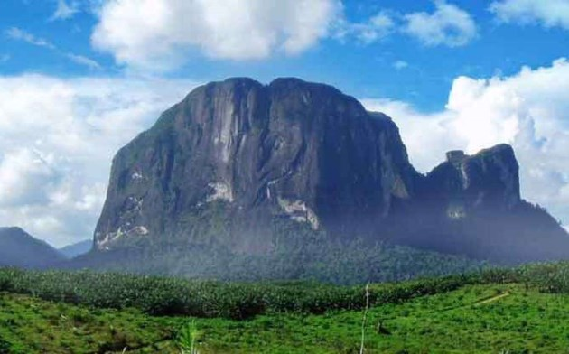 Bukit Kelam, Tempat wisata di Indonesia dari Sintang