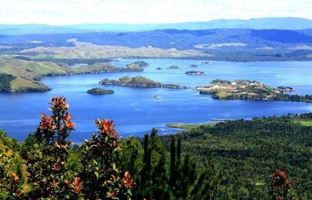 Danau Sentani, Tempat wisata Indonesia di Papua