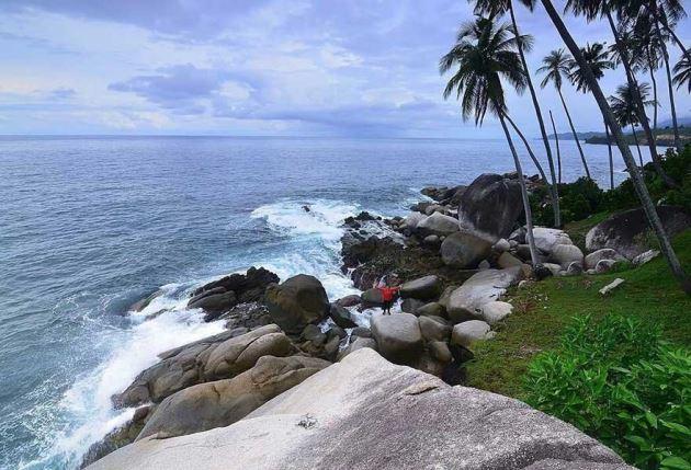 Pantai Batu Bertupang, Wisata alam indonesia di Aceh