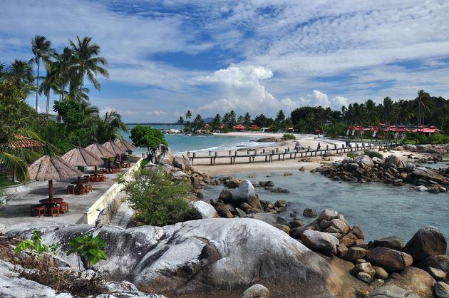 Pantai Parai Tenggiri, tempat wisata di Bangka Belitung