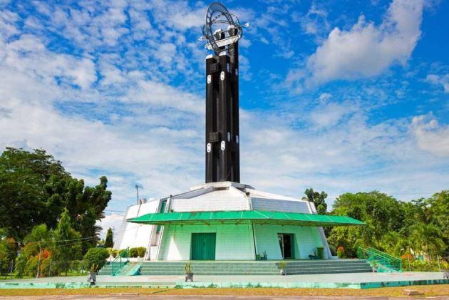 Tugu Khatulistiwa, Objek Wisata Indonesia di Pontianak